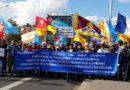 Un'immagine di una delle marce per la libertà dei popoli oppressi organizzata da Società Libera