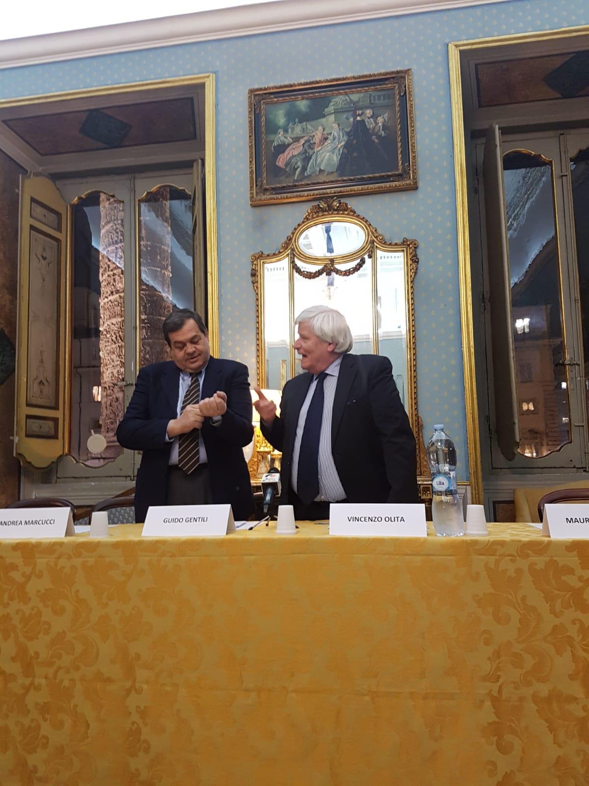 Un momento della presentazione del libro di Vincenzo Olita Illusione della libertà certezza della solitudine, tenuta a Roma il 23 gennaio 2019