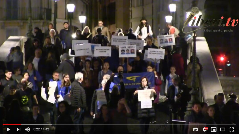 Flash mob organizzato da Società Libera per ricordare al Presidente cinese il rispetto dei Diritti Umani e le drammatiche condizioni dei Popoli Tibetano ed Uyghuro. Roma, Piazza Trilussa, 22 marzo 2019.