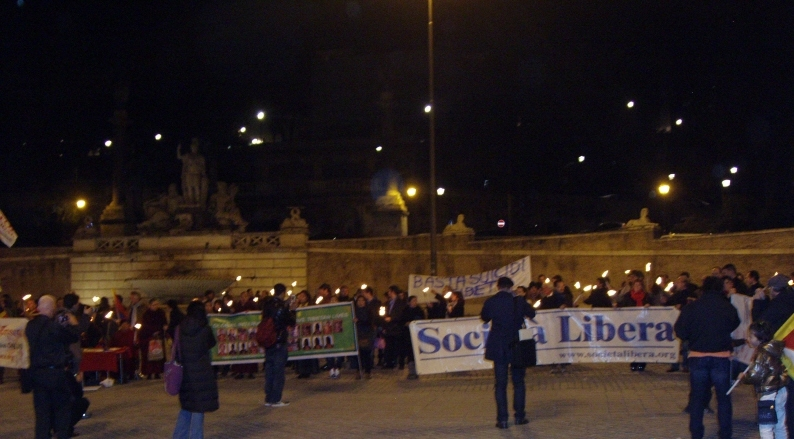 Roma, Fiaccolata Basta suicidi in Tibet, 10 marzo 2012