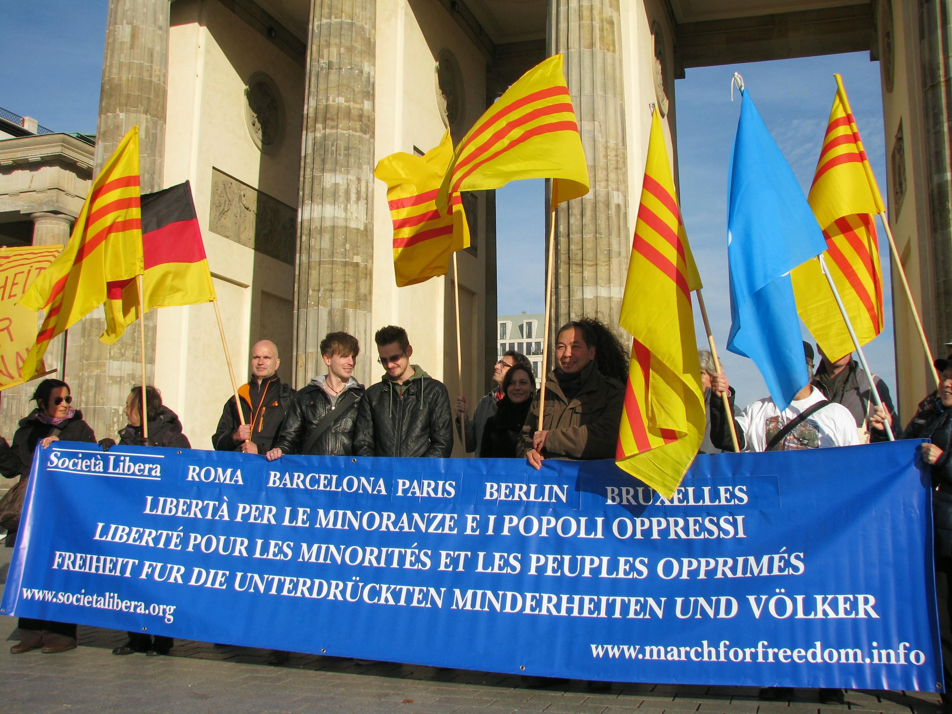 Roma e Parigi, VI Marcia per la Libertà delle Minoranze e dei Popoli Oppressi, 19 ottobre 2013