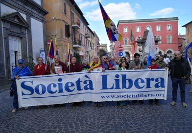La partenza della XII marcia internazionale per la libertà dei popoli e delle minoranze oppresse
